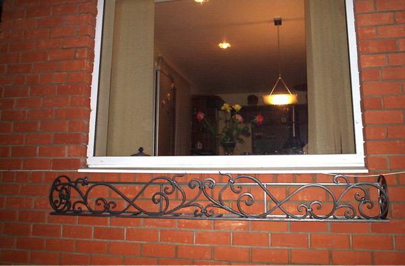 Фото цветочницы на окна